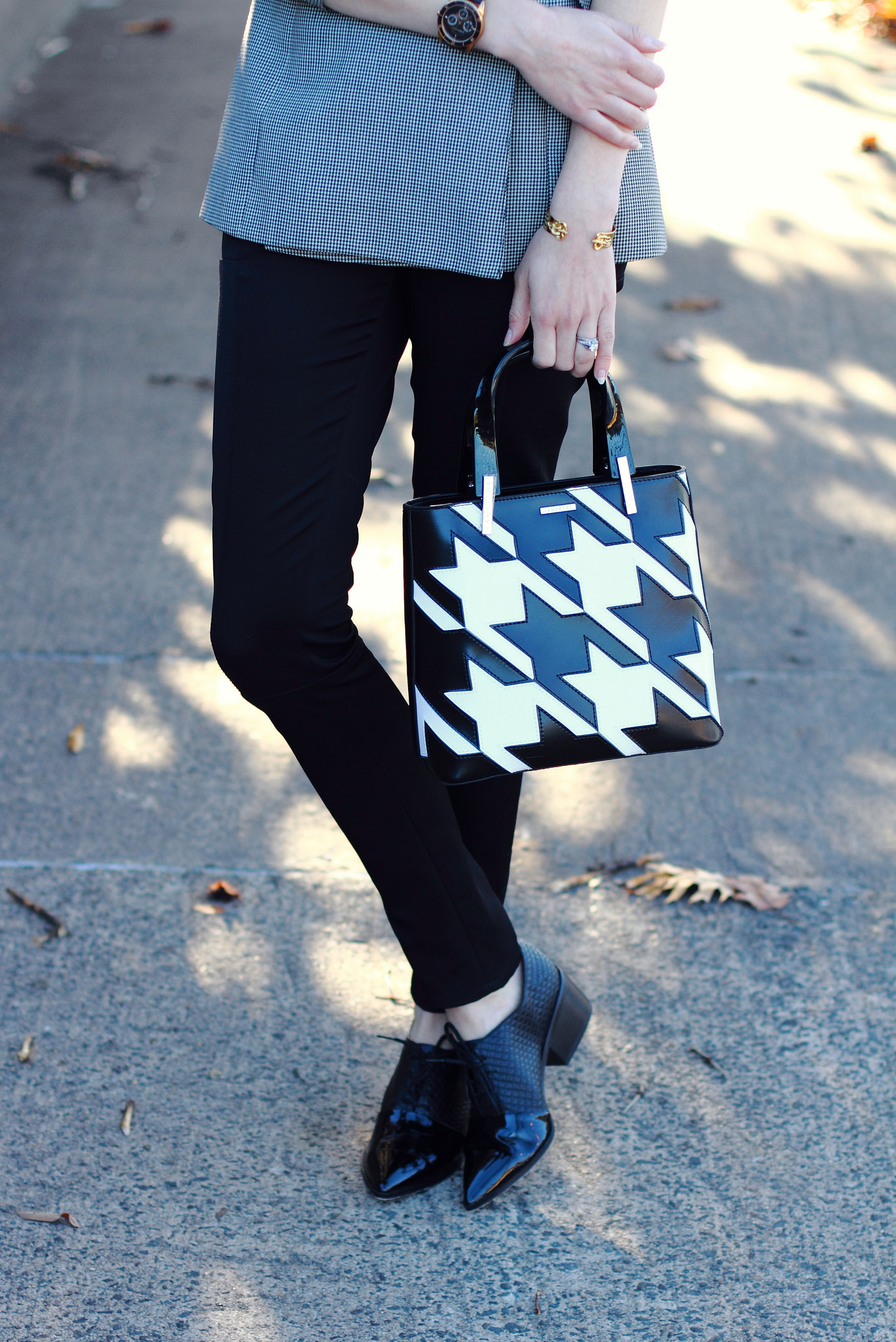 Lamarthe houndstooth tote
