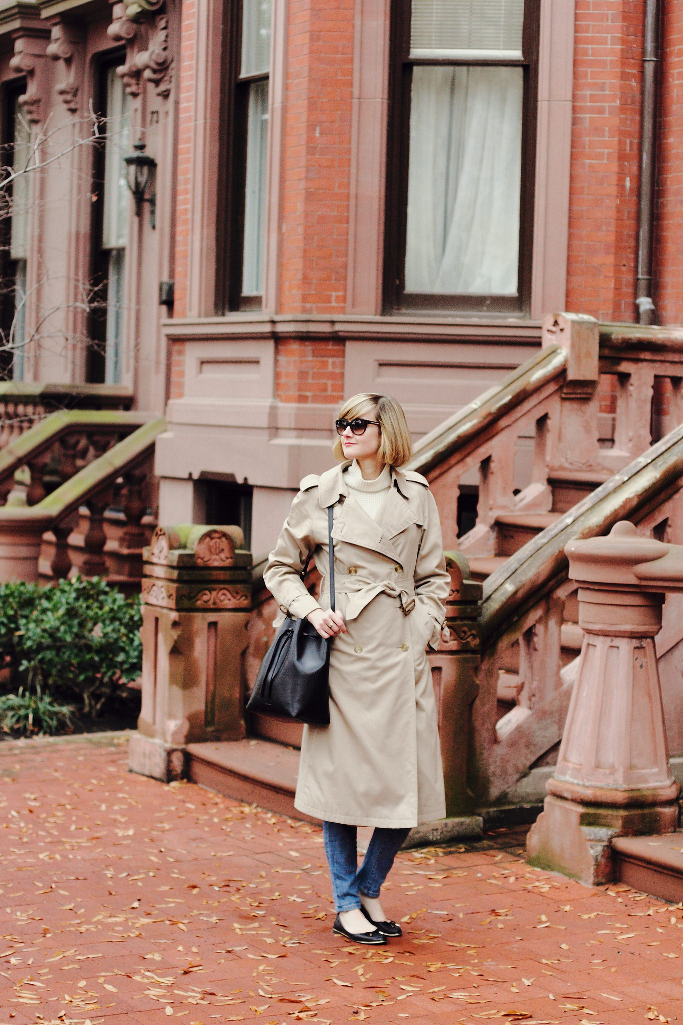 Burberry trenchcoat and Mansur Gavriel bag