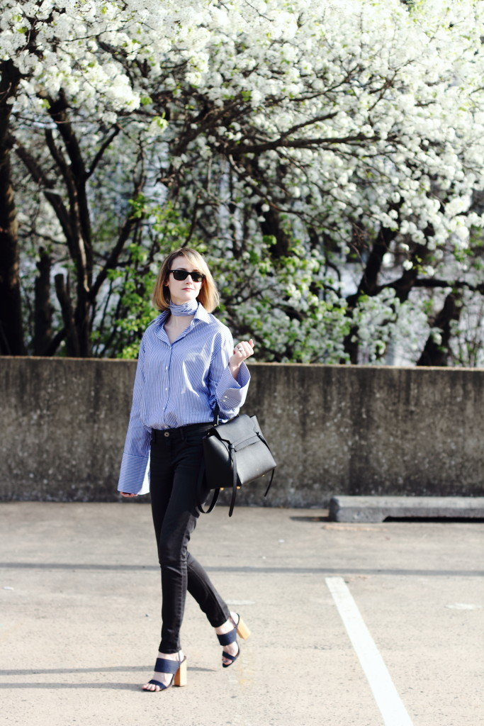 oversize sleeve shirt, skinny jeans and Celine belt bag