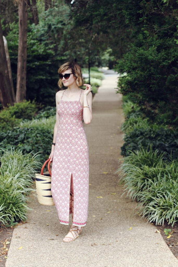 boho summer dress and straw market bag