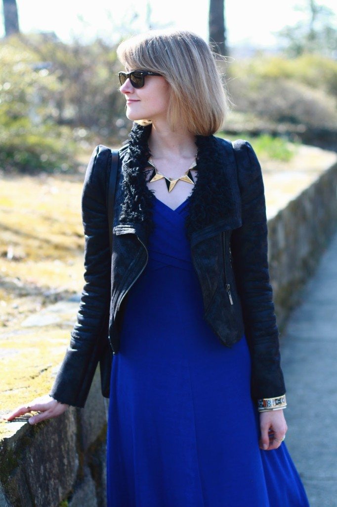 cobalt dress and triangle necklace