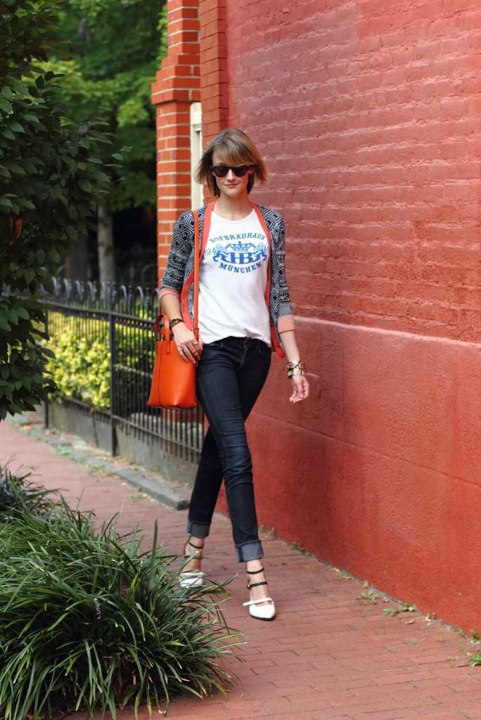 vintage t-shirt, print cardigan, and skinny jeans