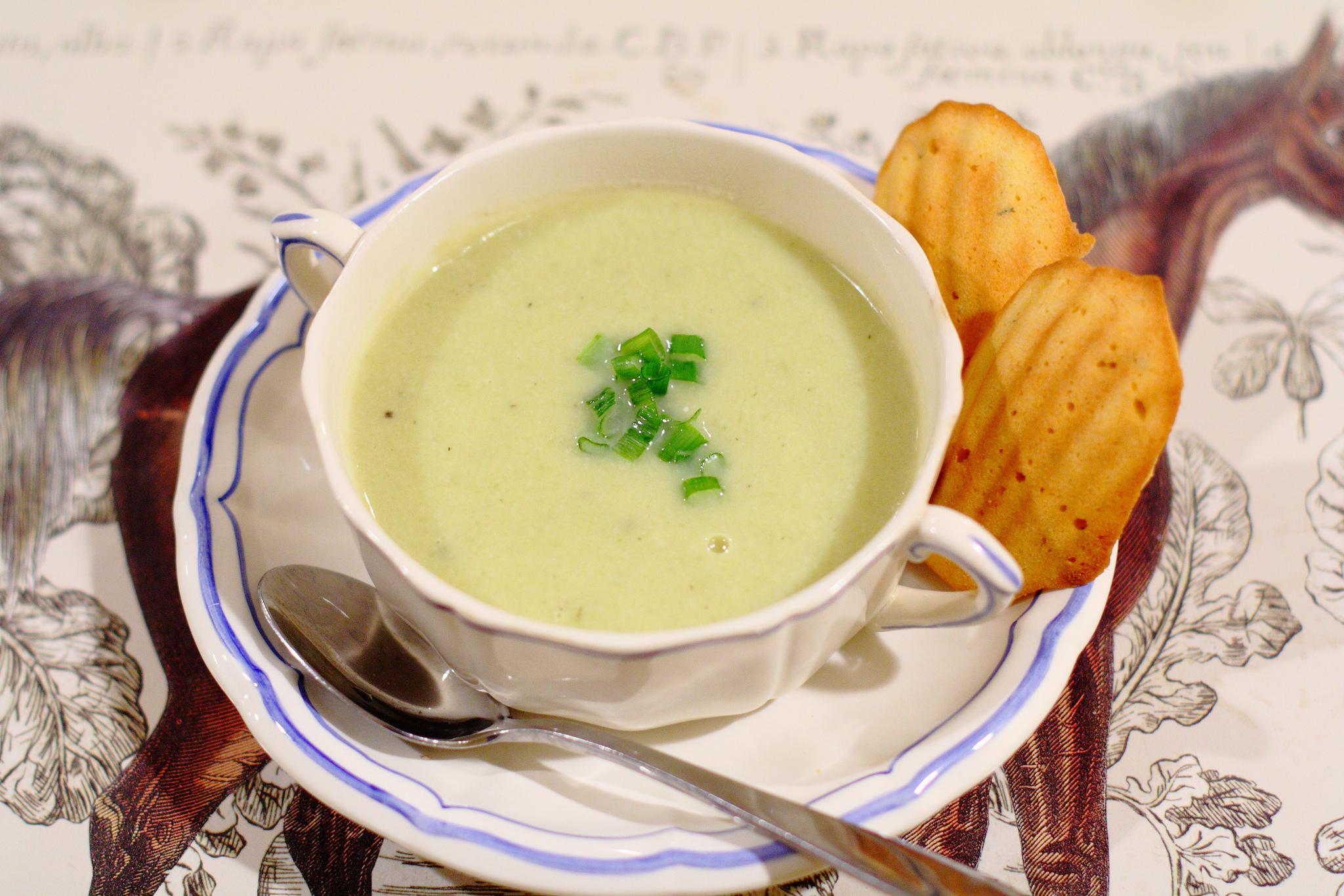 Fennel, Leek, and Cauliflower Soup