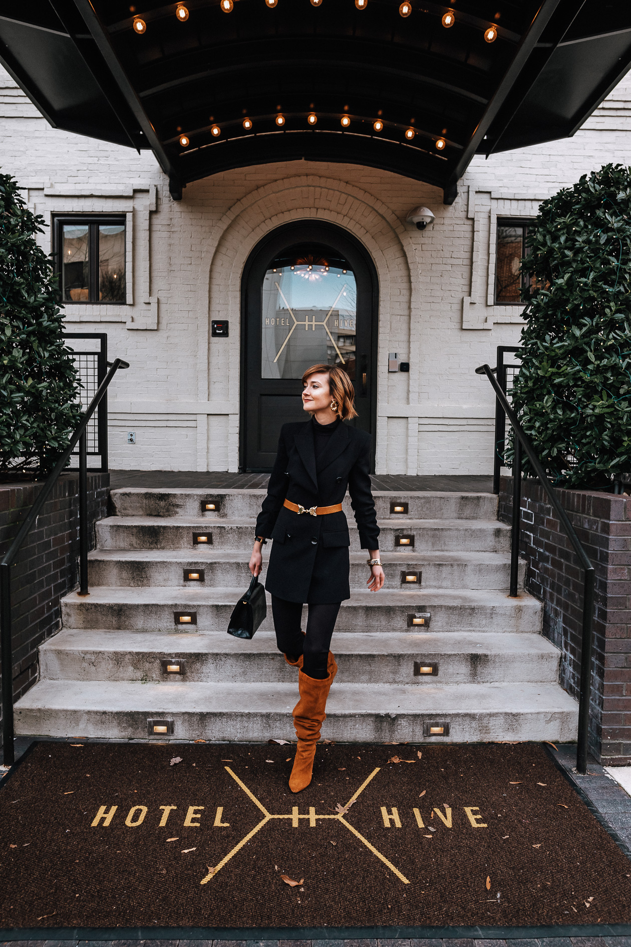 black and brown blazer outfit