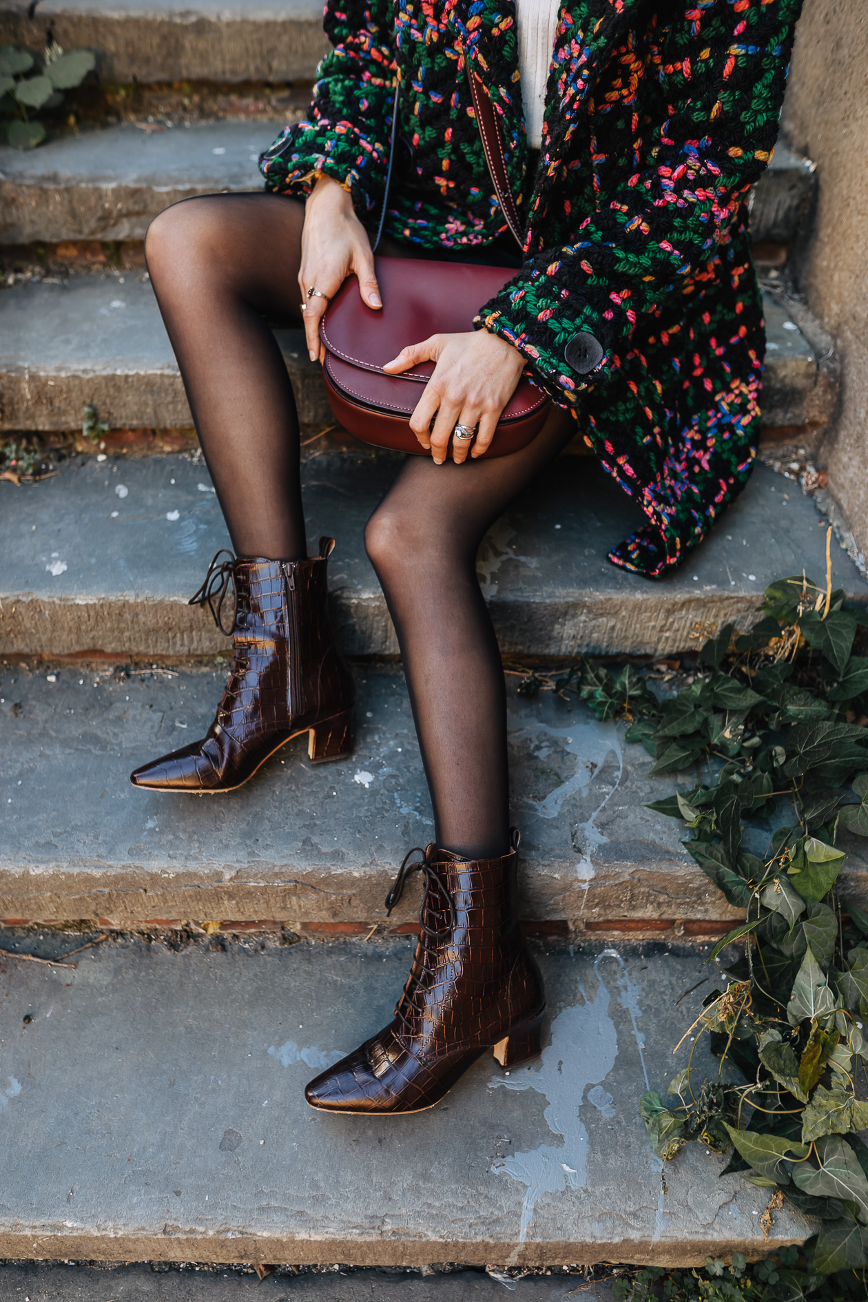 pointy-toe lace-up boots