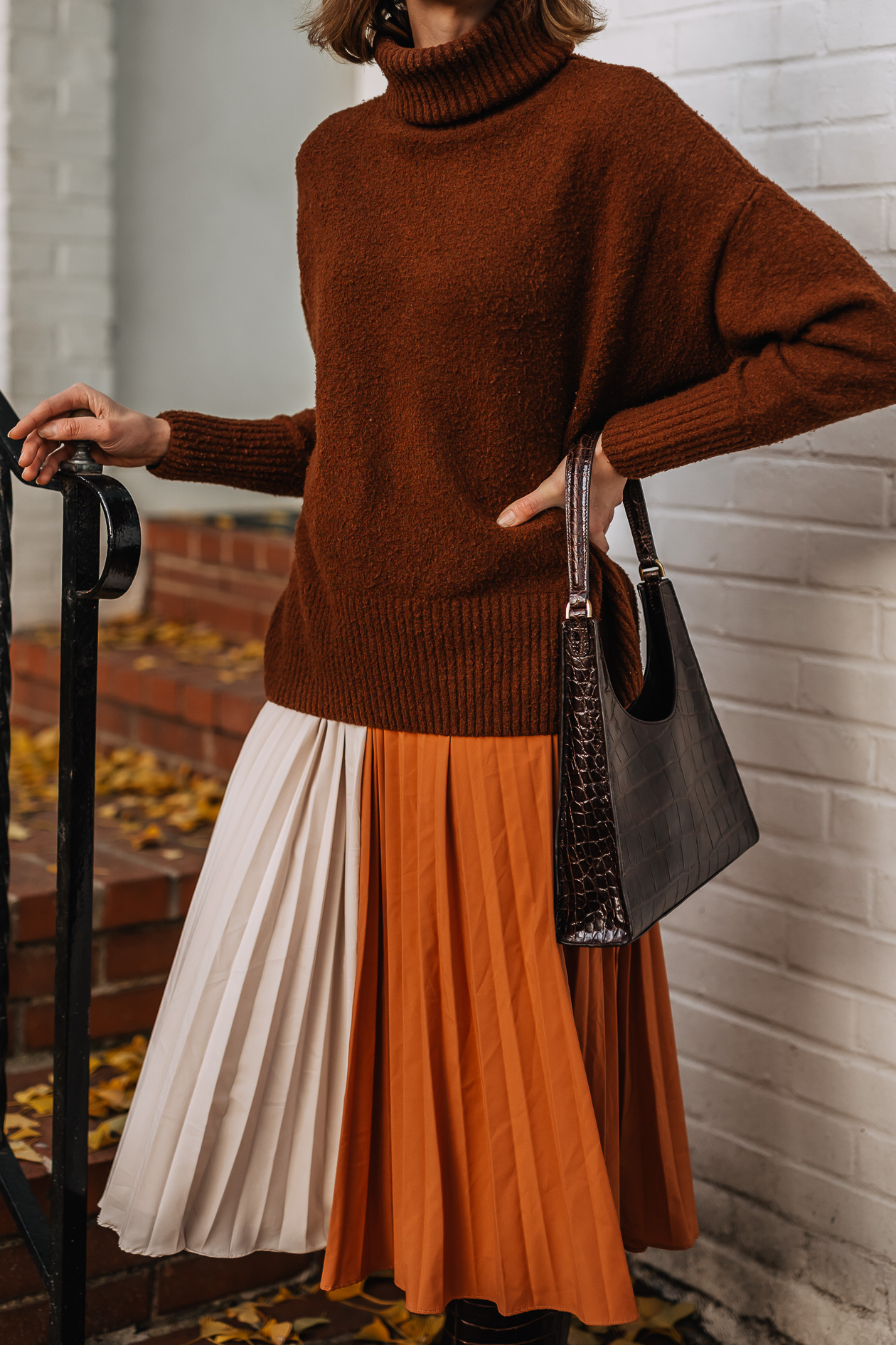oversized sweater & midi skirt Thanksgiving outfit